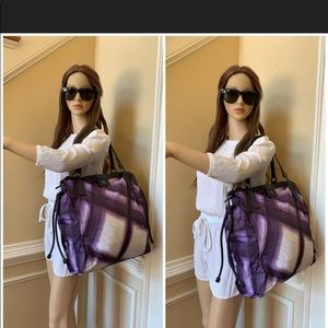Authentic Burberry Buckleigh/BAG